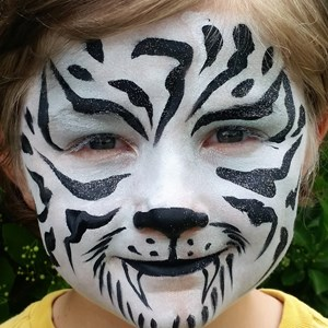 Manhattan, KS Face Painter | Painting Pearls