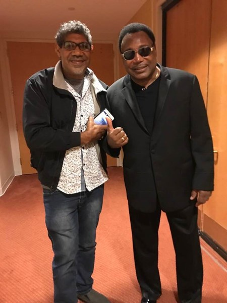 With guitar Icon  George Benson