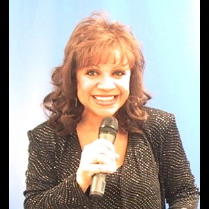Dunn Center Broadway Singer | Kathy Bee