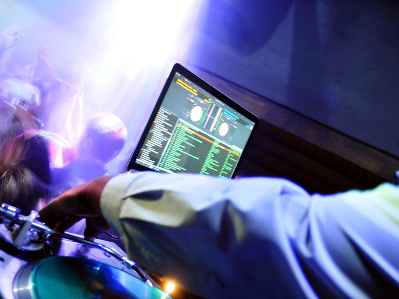 Ives Audio - Dj and Photo Booth Services - DJ - Seattle, WA