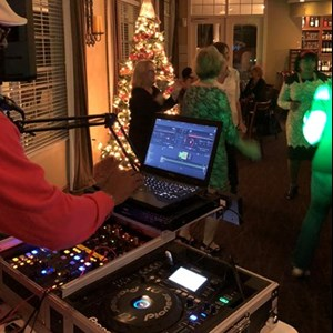 Crystal River, FL Mobile DJ | CB Entertainment