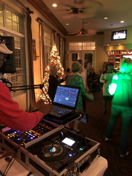 CB Entertainment  - Mobile DJ - Crystal River, FL