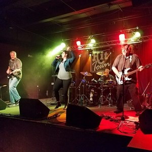Quebeck Cover Band | HIT TOWN