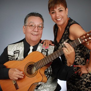 Wheatfield Acoustic Duo | Nelson and Paola Sosa