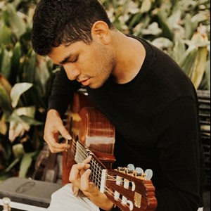 New Orleans, LA Guitarist | Brandon Carcamo - Classical Guitarist