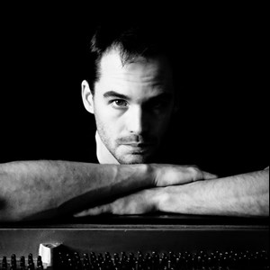 Santa Fe, NM Singing Pianist | Robin Ward Holloway