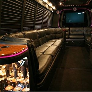 Warren, MI Party Bus | JETPRO TRANSPORTATION
