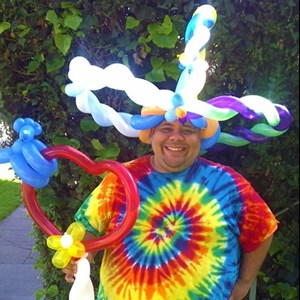 Desert Hot Springs, CA Balloon Twister | Eric Mejia, Large Scale Event Balloon Specialist