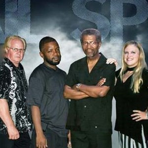 Oak Creek, WI Dance Band | The Tailspin Band