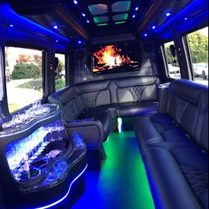 Sacramento, CA Party Bus | Black Diamond Limo Party Bus