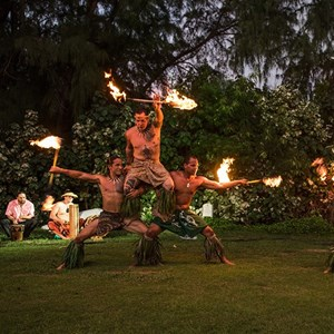 Honolulu, HI Fire Dancer | Hawaii Hula Company