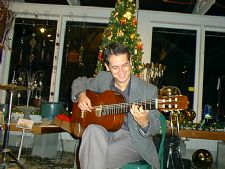 Marco de Carvalho | Seattle, WA | Brazilian Acoustic Guitar | Photo #4