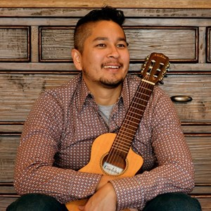 Chicago, IL Rock Acoustic Guitarist | Cary Kanno