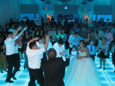 Yari More Latin Wedding Band | North Hollywood, CA | Latin Band | Photo #24