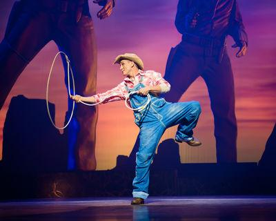 Keynote speaker , Cirque du Soleil, Cowboy act | Las Vegas, NV | Motivational Speaker | Photo #3