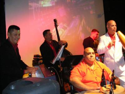 ORQUESTA ILUZIONES | Hobart, IN | Salsa Band | Photo #4
