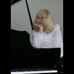 Bourbon Jazz Pianist | Phyllis Lynch, Piano/violin/Classical/Acous Guitar