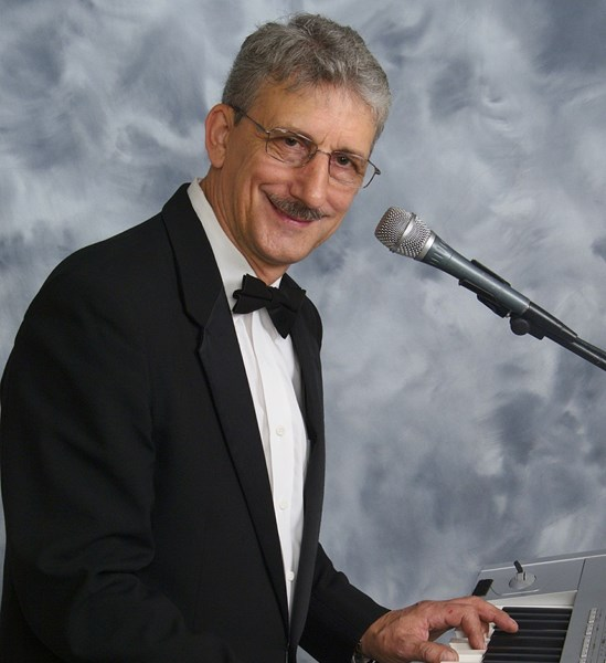 Larry Roberts Entertainment - Keyboardist - Scottsdale, AZ