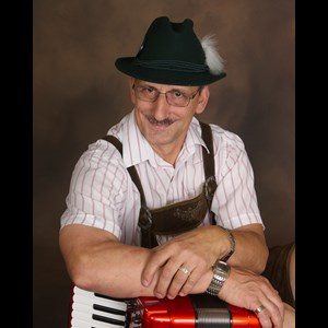 Naples 30's Hits Musician | Accordion and More