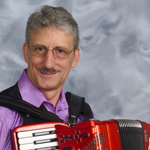 Oracle Oldies Singer | Larry Roberts Accordion and More