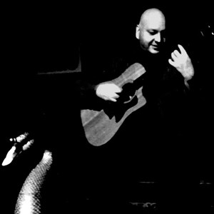 Allen Acoustic Guitarist | Jeff Tucker