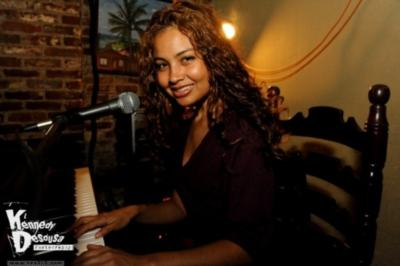Giovana Robinson Band | Philadelphia, PA | Latin Band | Photo #4