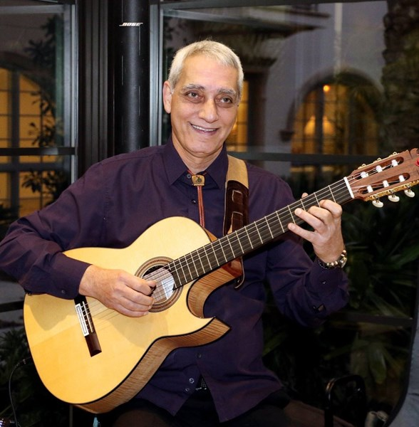 Marc E - Smooth Jazz on Spanish Guitar - Acoustic Guitarist - Orlando, FL