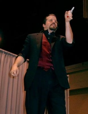 John Shore (Stone Castle Magic Co.) | Versailles, KY | Magician | Photo #4