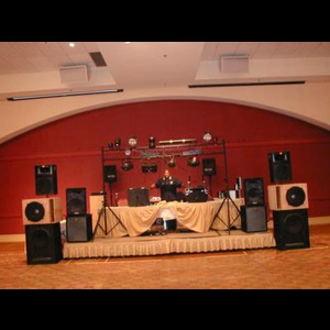 Woodbine Club DJ | DMDJ Entertainment