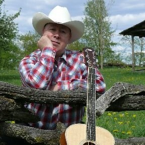 Albia Country Singer | Chip Messiner