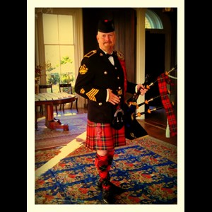 Greenwich Bagpiper | The Royal Piper