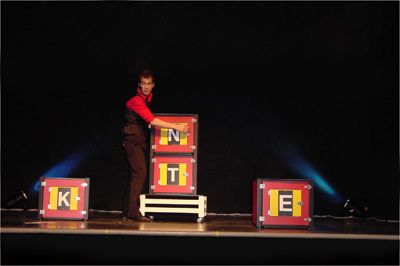 Michael Kent - High-Class Comedy Magic | Columbus, OH | Magician | Photo #4