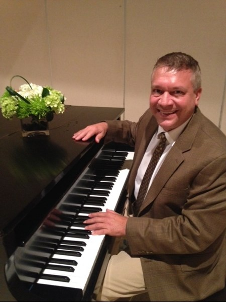Terry Mikeska - Pianist - San Angelo, TX