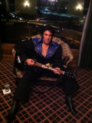 Chris Luna - A Tribute To ELVIS!  | Los Angeles, CA | Elvis Impersonator | Photo #1