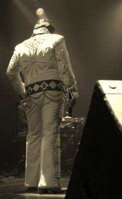 Chris Luna - A Tribute To ELVIS!  | Los Angeles, CA | Elvis Impersonator | Photo #7