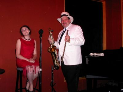 Lizz & Rex Review - Elizabeth Hayes Voice | Dayton, OH | Jazz Trio | Photo #3