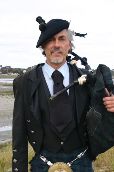 Robert Burns - Bagpiper - San Diego, CA