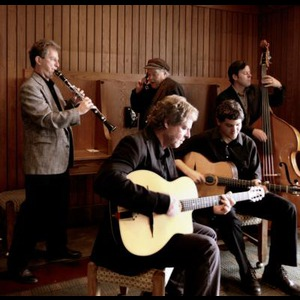 Charleston Dixieland Band | One Leg Up