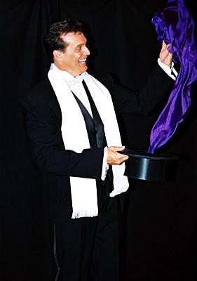 Amazing Illusionist James Kellogg Jr. #1 in FUN! | Dana Point, CA | Illusionist | Photo #7