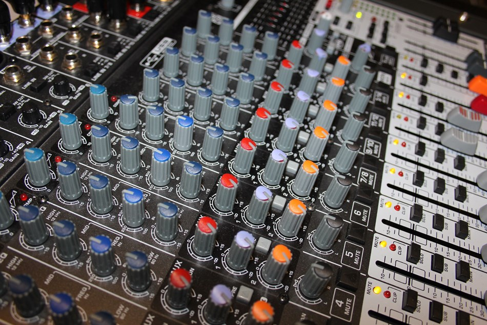 18-Channel Mixer for broad capacity