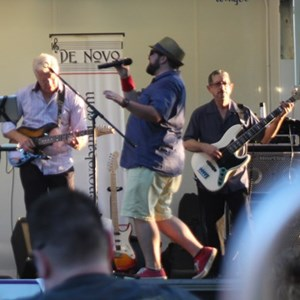 South Glastonbury Cover Band | De Novo