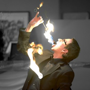 Los Angeles, CA Magician | Lou Serrano - The Audience Engagement Specialist