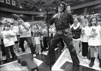 Tribute To Elvis By Aaron Black | Colorado Springs, CO | Elvis Impersonator | Photo #4