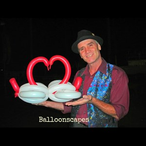 Shortsville Balloon Twister | Balloonscapes Entertainment