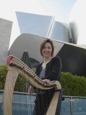 Leslie McMichael, Pluck Music | Vashon, WA | Classical Harp | Photo #2