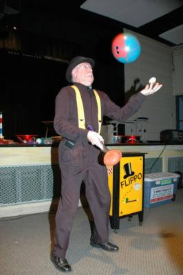 Flippo The Juggling Magician / Clown | West Boylston, MA | Clown | Photo #8