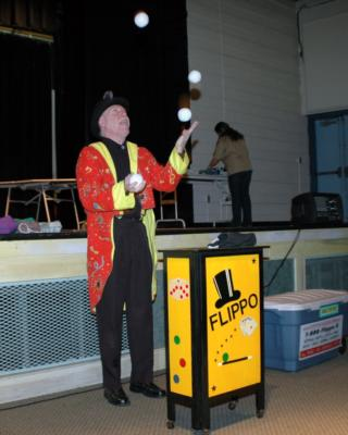 Flippo The Juggling Magician / Clown | West Boylston, MA | Clown | Photo #4