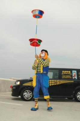 Flippo The Juggling Magician / Clown | West Boylston, MA | Clown | Photo #15