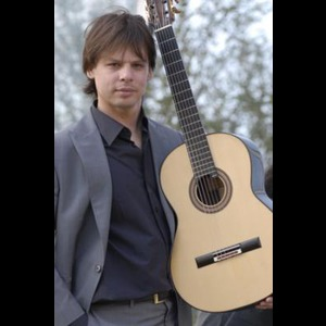 Danforth Classical Guitarist | David Galvez