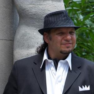 Raymond Broadway Singer | Micheal Castaldo - Classical Crossover Pop +